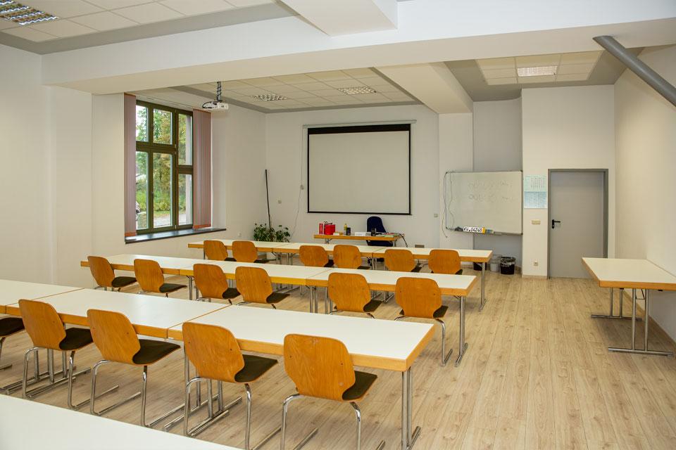 schulungsraum-lkw-pkw-fahrschule-gerd-witt-03